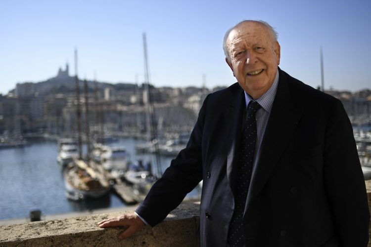 Mayor of Marseille, Jean-Claude Gaudin, poses during a photo session on the balcony of his office on October 12, 2017 in Marseille, southern France.  / AFP PHOTO / BORIS HORVAT